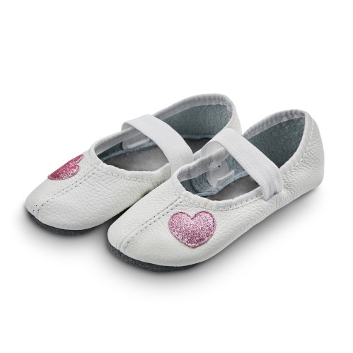 Dance slippers (white) with shiny hearts