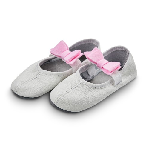 Dance slippers (white) with felt bow