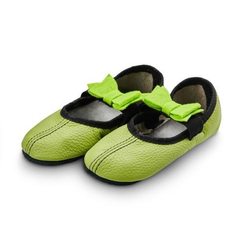 Dance slippers (light green) with felt bow