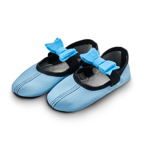 Dance slippers (light blue) with felt bow